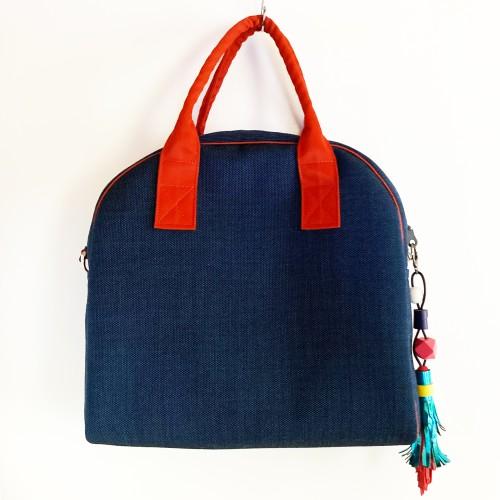 Mažoji MADMUAZELĖ. Mėlynas krepšys su ilga rankena
